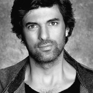Engin Akyurek (Black / White)