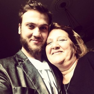 Aras Bulut Iynemli and His Mom