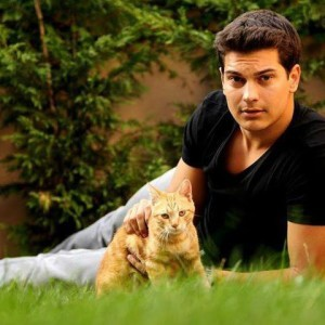 cagatay ulusoy with cat