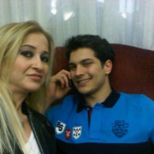 cagatay ulusoy with his mom