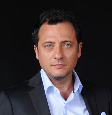 yiğit özşener turkish actor
