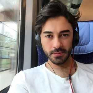 Gokhan Alkan train selfy