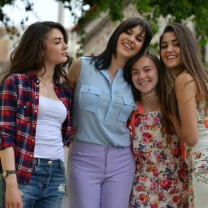 Sunshine Girls (Gunesin Kizlari) cast