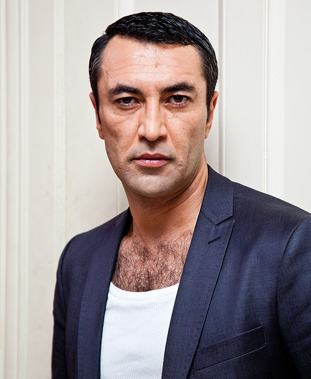 "Mehmet Kurtulus at the set of German TV crime series ""Tatort"" at Restaurant Rexrodt in Uhlenhorst. Hamburg, Germany - 07.12.2011 **Not available for publication in Singapore** Credit: Eva Napp"