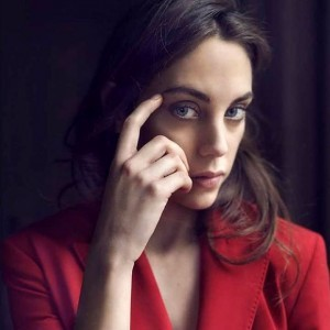 Oyku Karayel actress red
