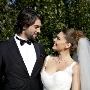 asli enver and sukru ozyildiz married in winter sun tv series