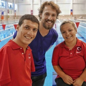 Metin Akdulger with turkish swimmer